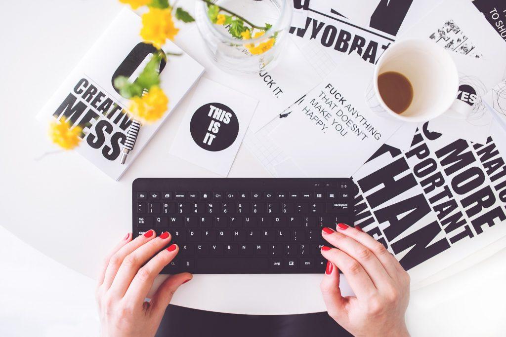 girl-writing-on-laptop