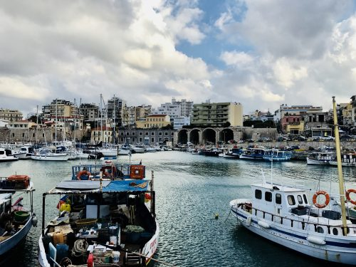 herakleio-crete-port-ships