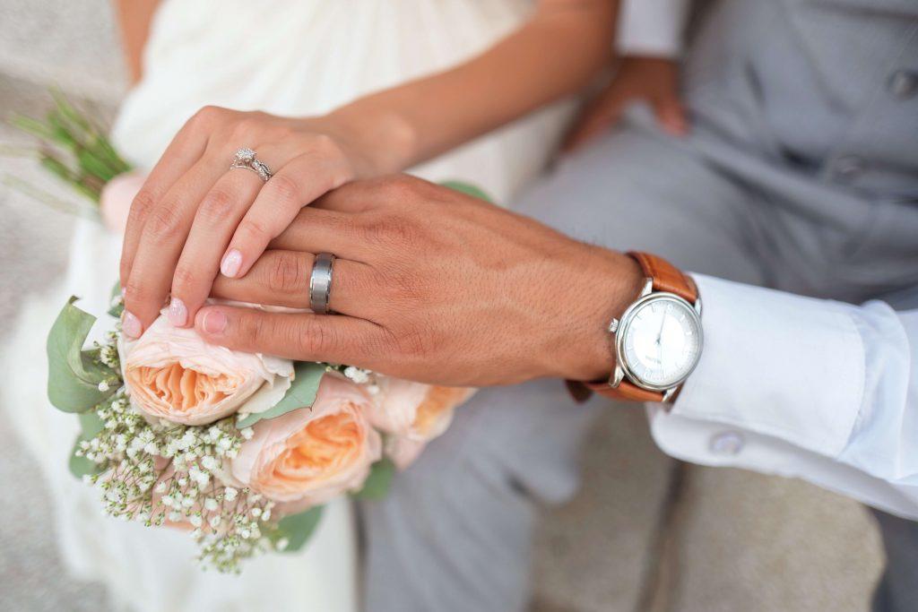 πώς ξεκινάς να οργανώνεις έναν γάμο
