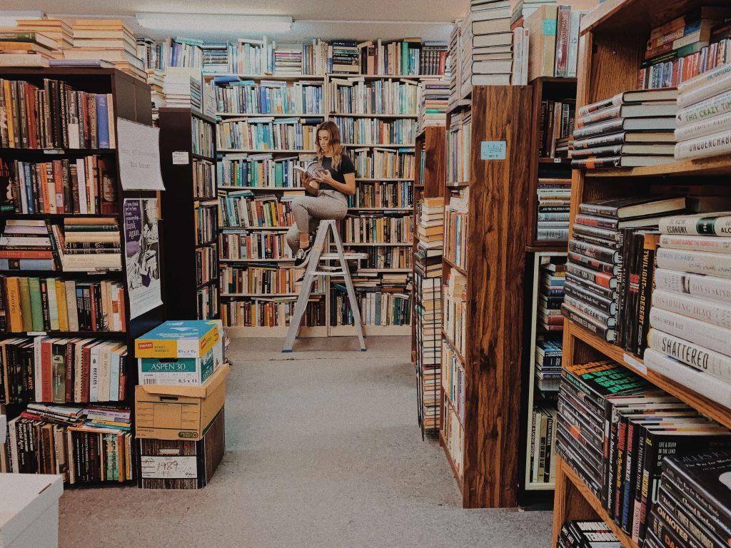 βιβλία στη ζωντανή βιβλιοθήκη